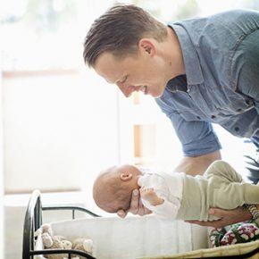 Šveđani produžavaju očevima plaćeno odsustvo
